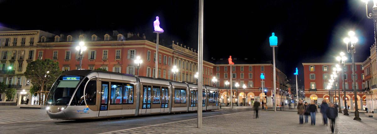 tramway-place-massena-nuit