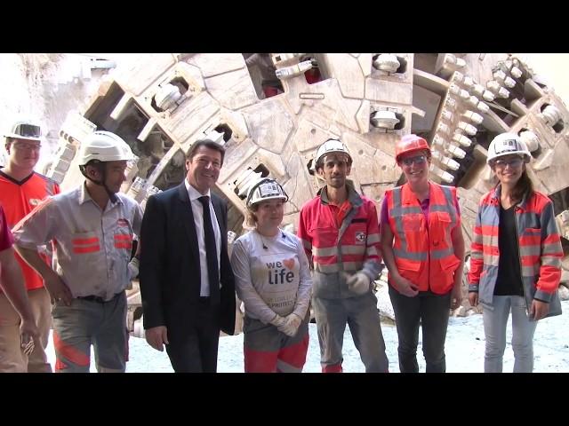 le tunnelier est sorti de terre